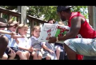 Ragin' Cajuns Student-Athletes Read to Elementary Students